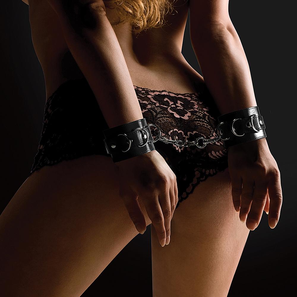 leather bondage noveller sexiga