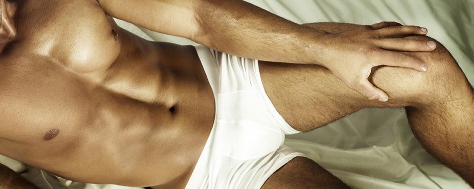 bild på naken man som ligger och väntar på att få prostatamassage